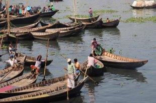 Buriganga River in Dhaka 25